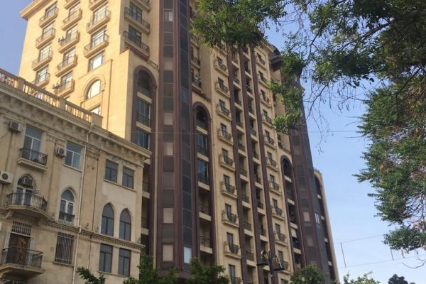 Apartment with 2 bedrooms near the Landmark