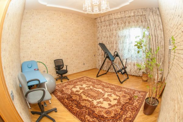 House with 3 bedrooms near the Ganjlik Metro