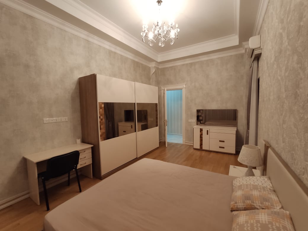 Apartment with 2 bedrooms near the Metro Nizami