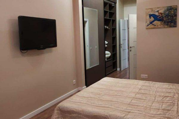 specious 2 bedroom